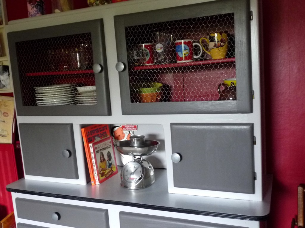 Buffet mado on pinterest buffet cuisine and cuisine vintage for Meuble mado